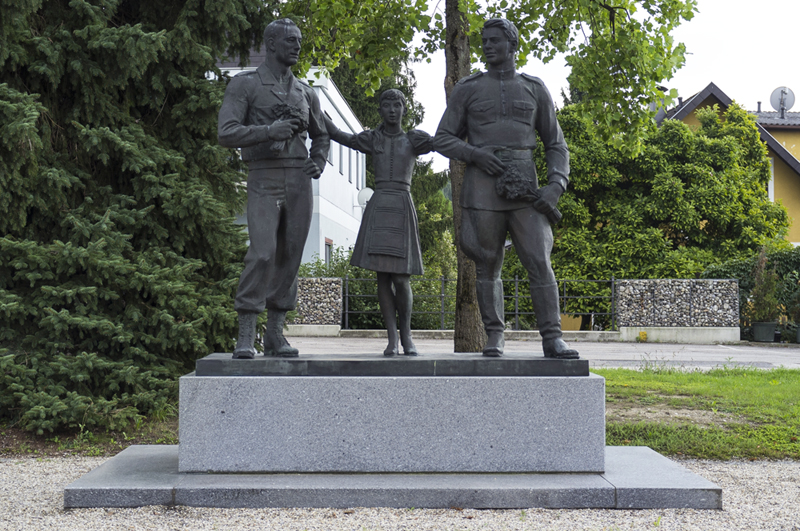 Friedensdenkmal Oleg Komov, 1995